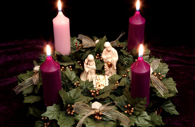 religious christmas advent wreath with nativity scene. Black Bedroom Furniture Sets. Home Design Ideas